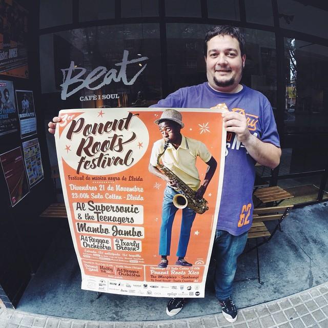 En @sergirock @nlamarca estan al capdavant del @beatcafeisoul un dels locals amb més soul de Lleida, activistes culturals que ens acolliran el dia 22/11 obrint-nos el local per fer la punxada de Natty Bo i @ciscoksl  Gracies pel suport família!  #ponentroots #nattybo #lleida #igerslleida #respect #skacubano #topcats