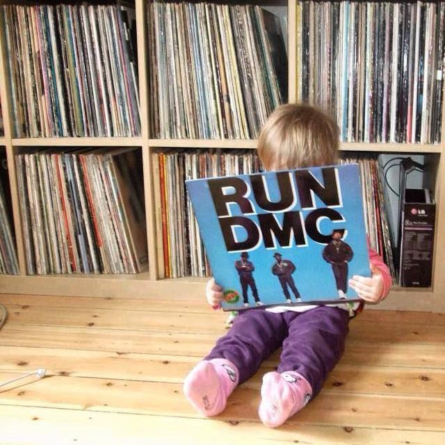 ☔️Raining days? ? Play music and teach the youth!  #ponentroots #teachtheyouth #raining #rain #rainingday #music #teach #vinyl #boy #rundmc #rap #hiphop #newschool #vsco #vscocam #collection #love